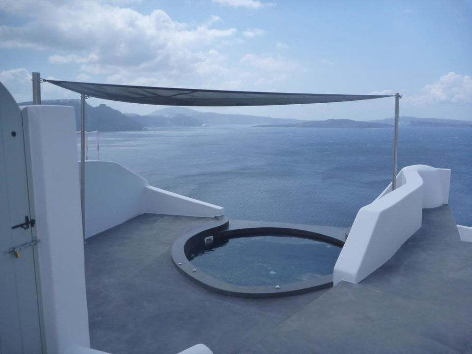 whirlpool auf der terrasse andronis luxury suites oia holidaycheck santorin griechenland. Black Bedroom Furniture Sets. Home Design Ideas