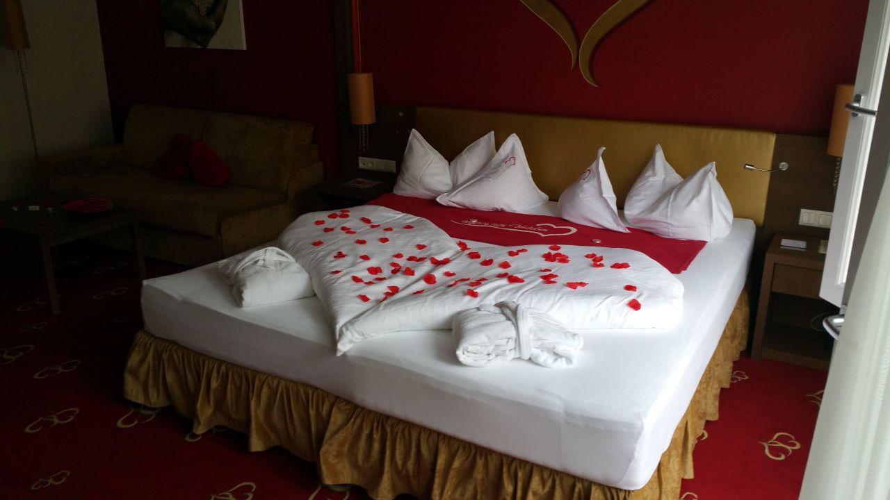 King-Size Bett am Zimmer\
