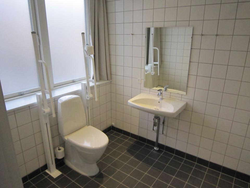 """bild """"badezimmer behindertengerecht ausgestattet"""" zu hostel"""