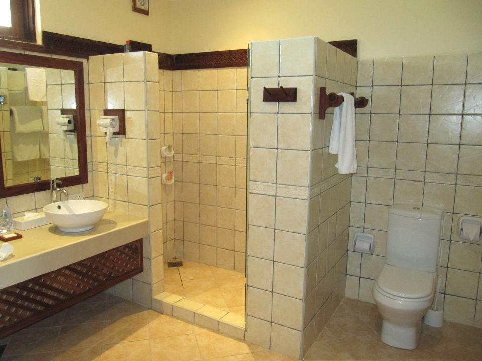 Großes Badezimmer\
