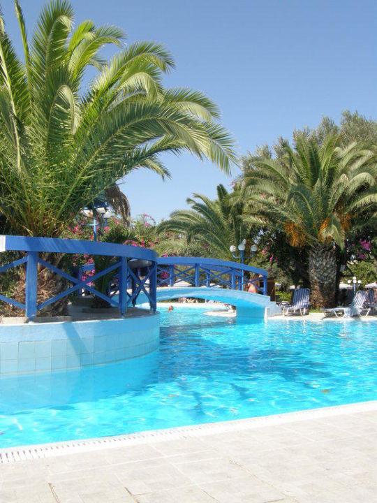 Der große Pool Hotel Filerimos Village