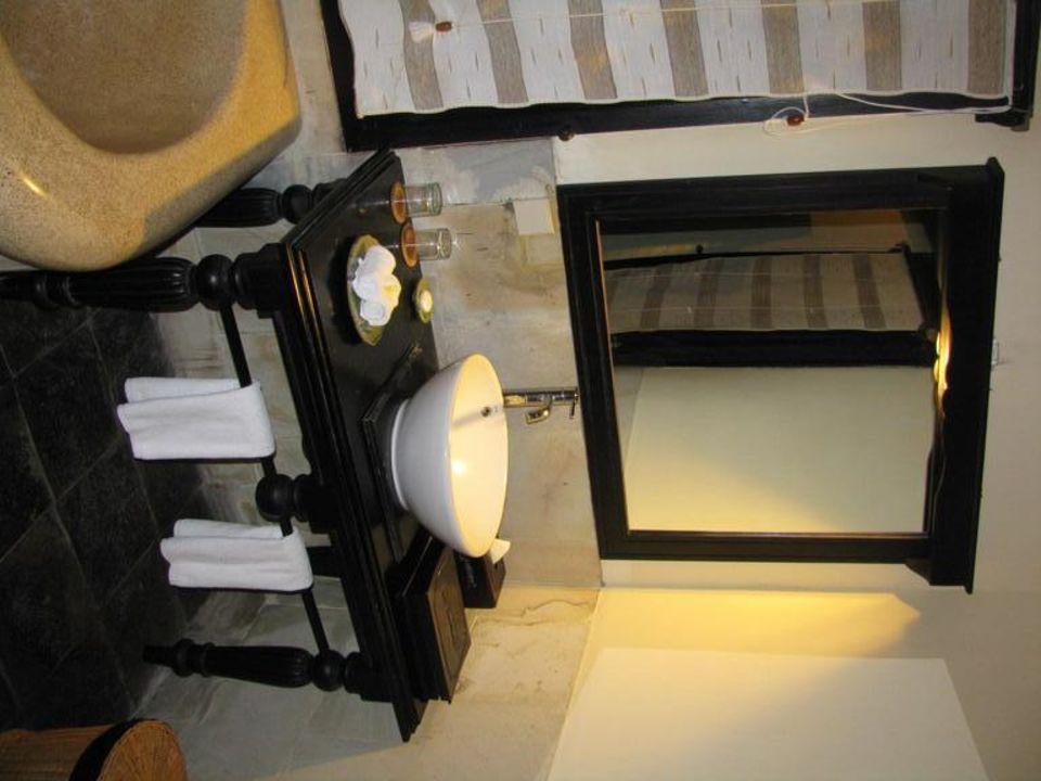 Hübsches und großes Badezimmer Furama Villas & Spa Ubud