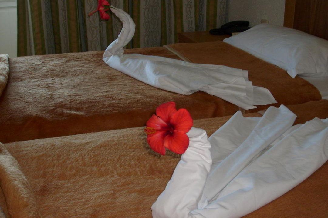Liebevolle Bettdekoration Hotel El Mouradi Cap Mahdia