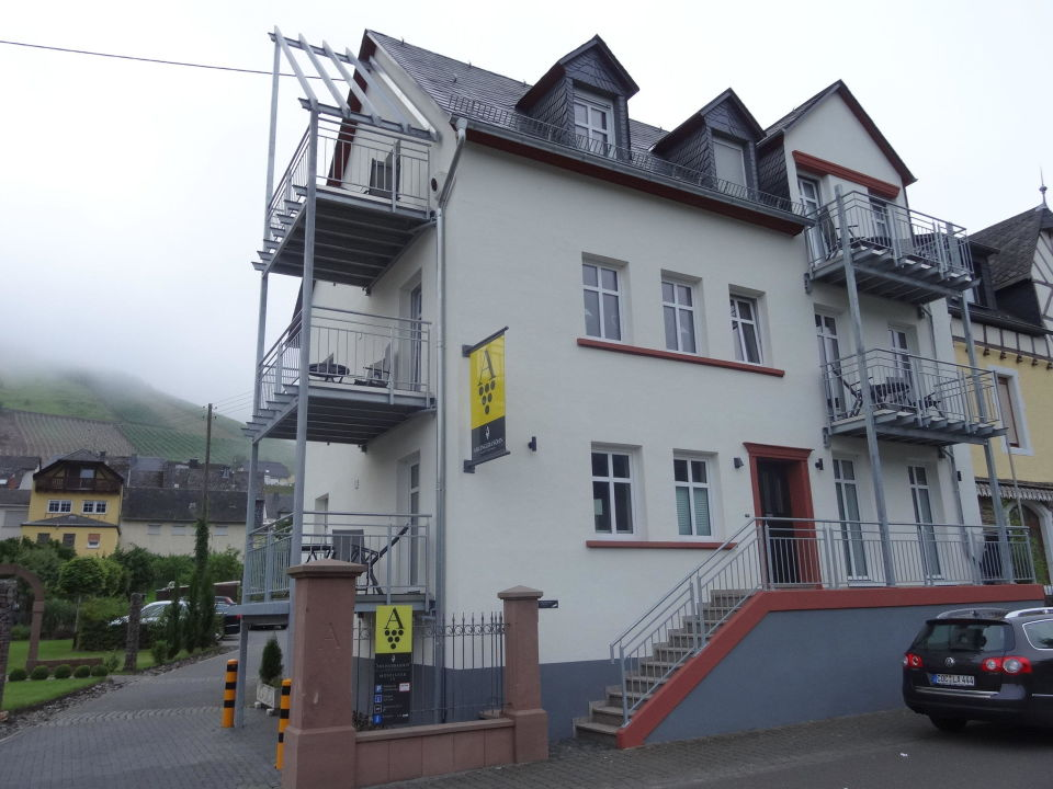 Ferienwohnungen Moseluferstr. 15 Hotel Weingut Amlinger&Sohn