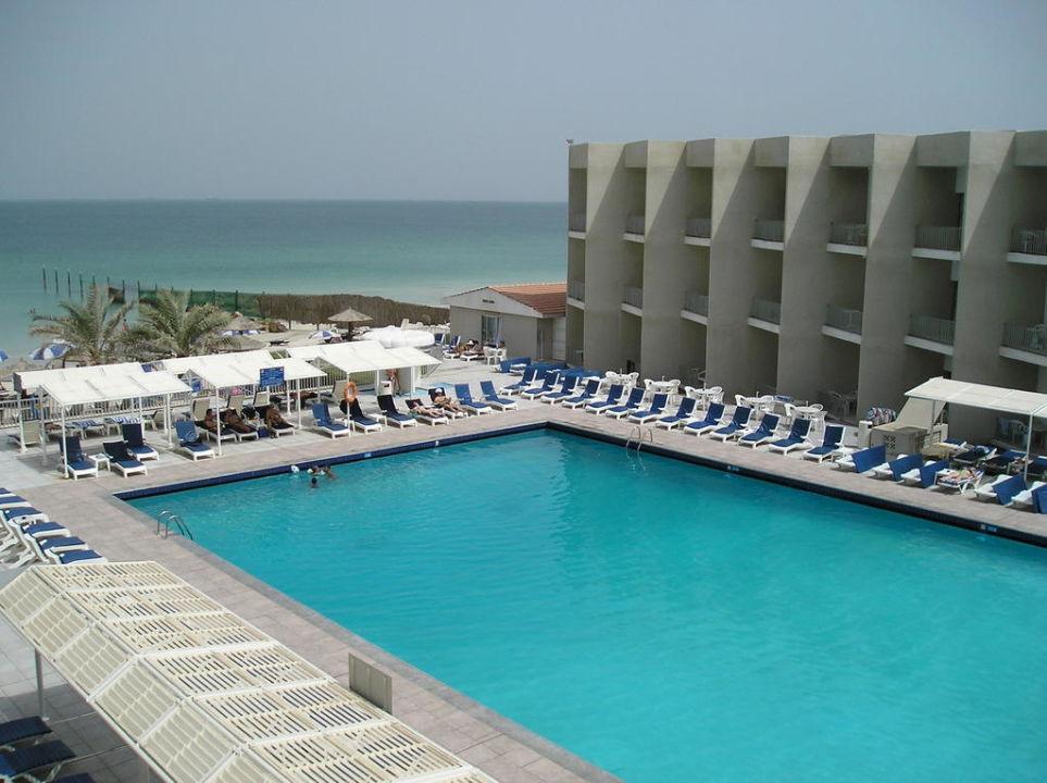 Pool Beach Hotel Sharjah