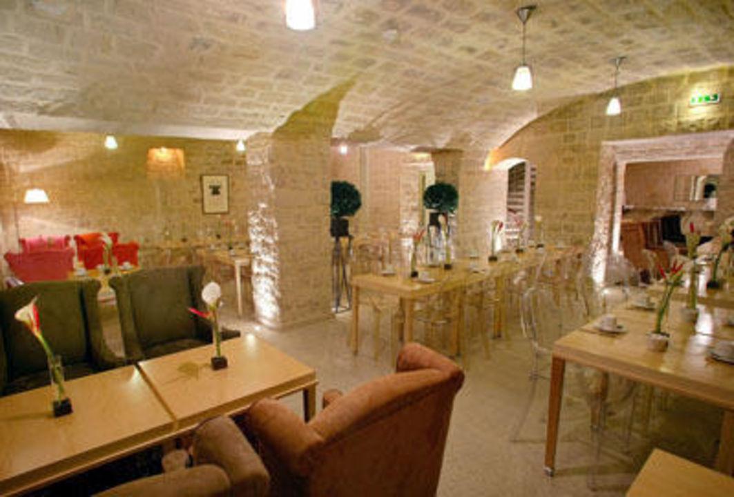 Salle de petit déjeuner Hotel Lorette Astotel