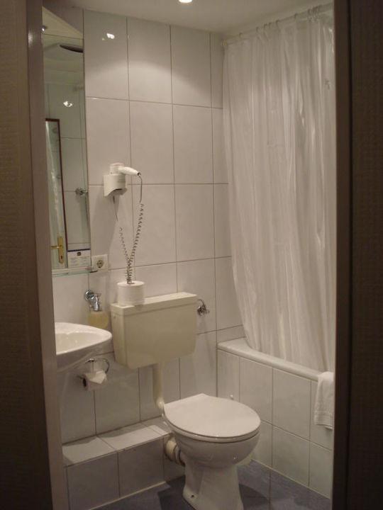 Das Badezimmer Best Western Raphael Hotel Altona