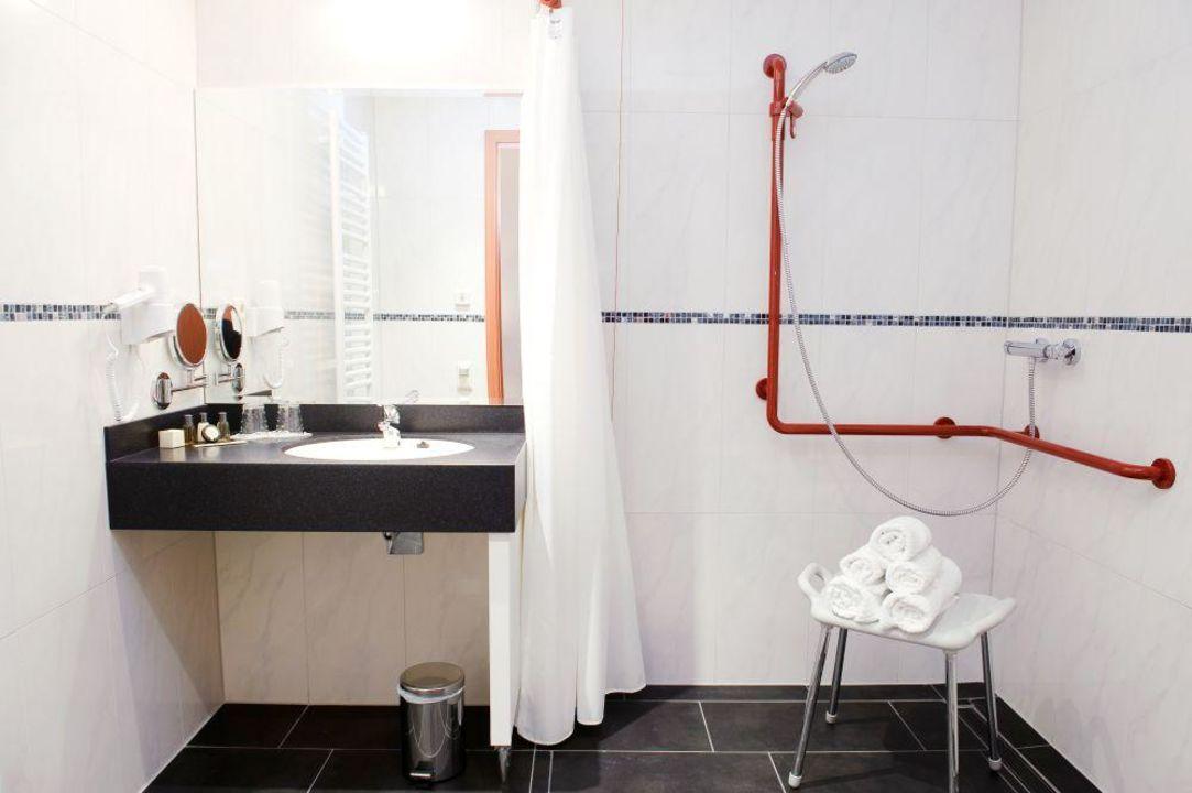 """behinderten-bad/dusche"""" stadthotel stern in wismar • holidaycheck, Hause ideen"""