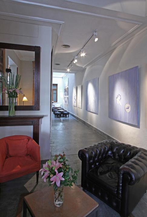 Lobby y galeria de arte Art Hotel
