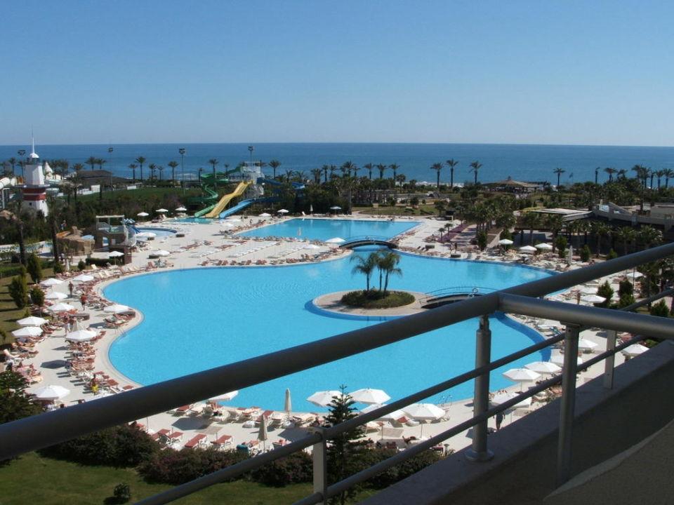 Blick vom Balkon Richtung Strand Hotel Miracle Resort