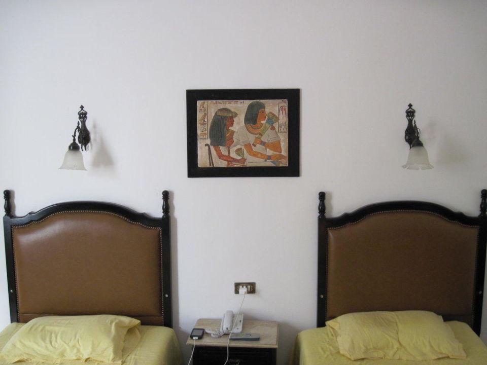 Zimmer 318, 2 bequeme Betten Hotel Victoria