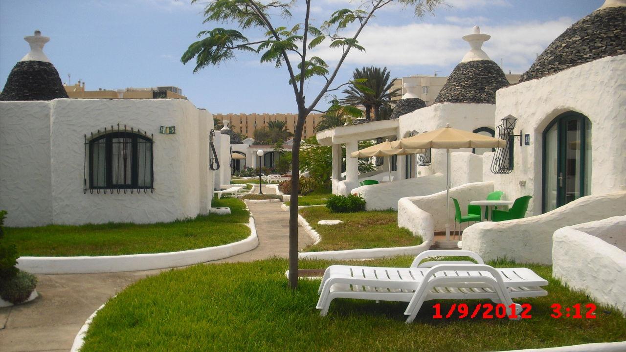 weg zu den bungalows mur bungalows parque romantico gran canaria playa del ingles. Black Bedroom Furniture Sets. Home Design Ideas