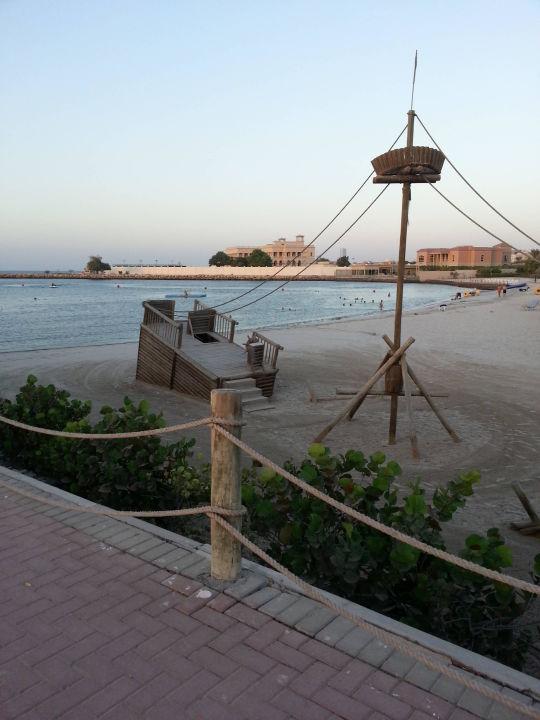 Spielplatz am Starnd Radisson Blu Resort Sharjah