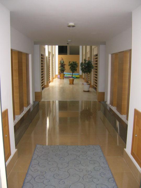 Hall d\'entrée bâtiment secondaire\