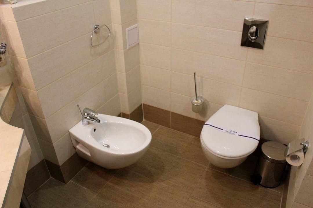 Badezimmer WC Und BD Hotel Spa Dodo In Zhytomyr HolidayCheck - Badezimmer bd