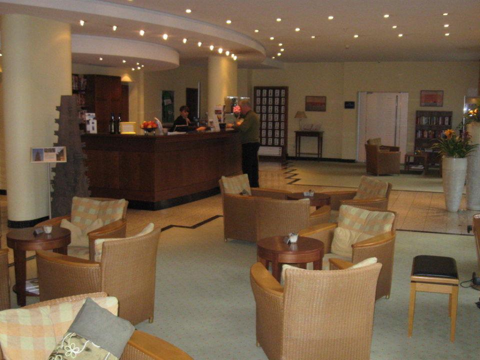 Rezeption und Lobby Dorint Hotel an den Thermen