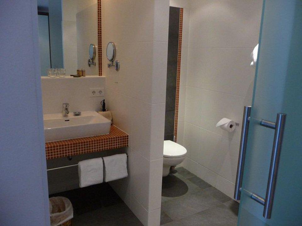 bild dusche zu hotel steinerwirt geschlossen in lofer. Black Bedroom Furniture Sets. Home Design Ideas
