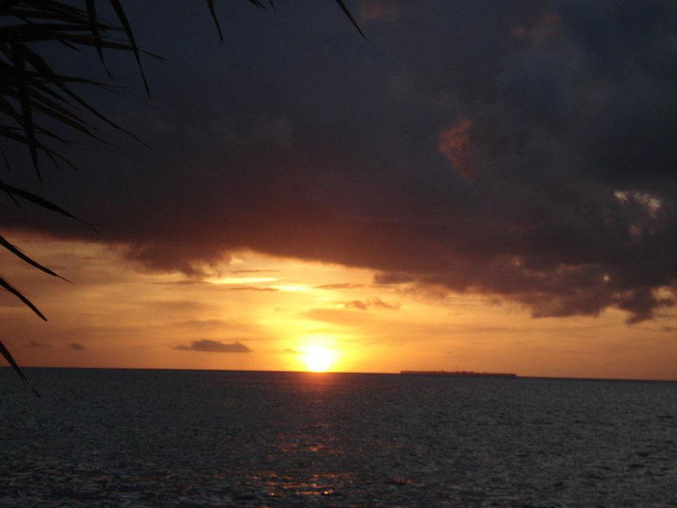Sonnenuntergang Sun Aqua Vilu Reef Maldives