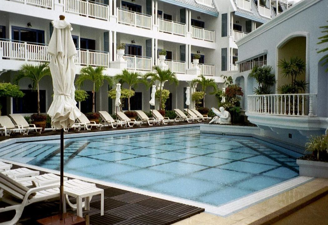 Pool 2 Hotel Andaman Seaview