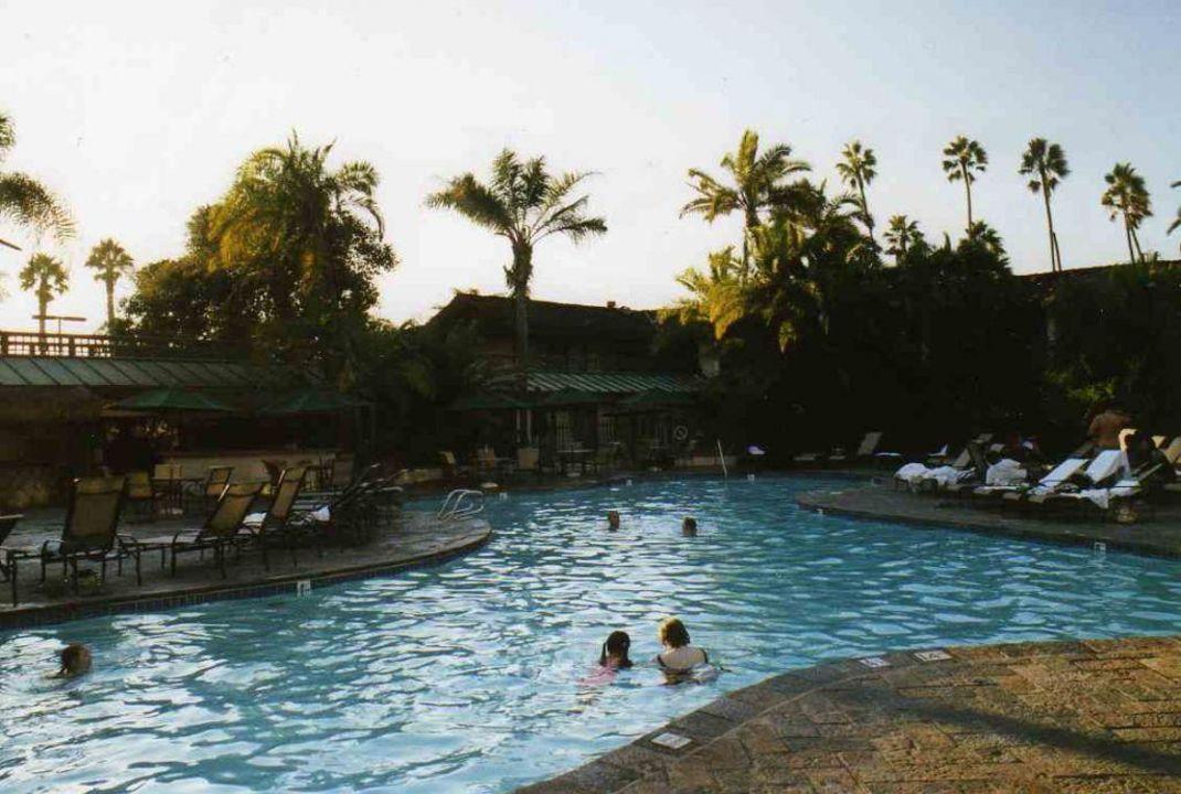 Poolbereich Catamaran Resort Hotel & Spa