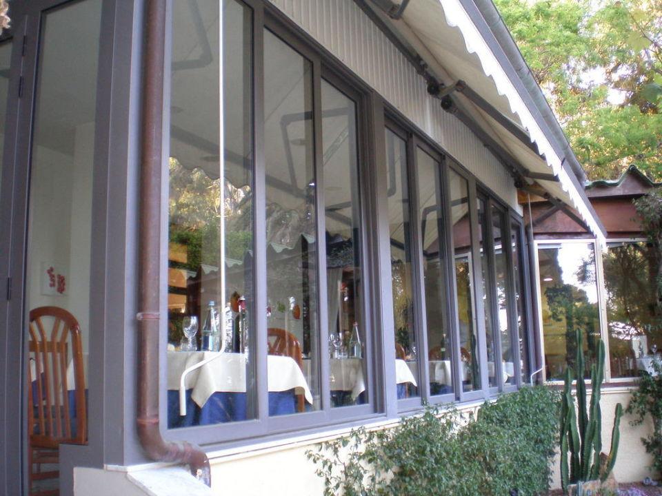 Aussenansicht Restaurant Hotel Eden Park