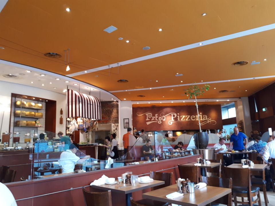 Gastro Swissotel The Stamford Singapore