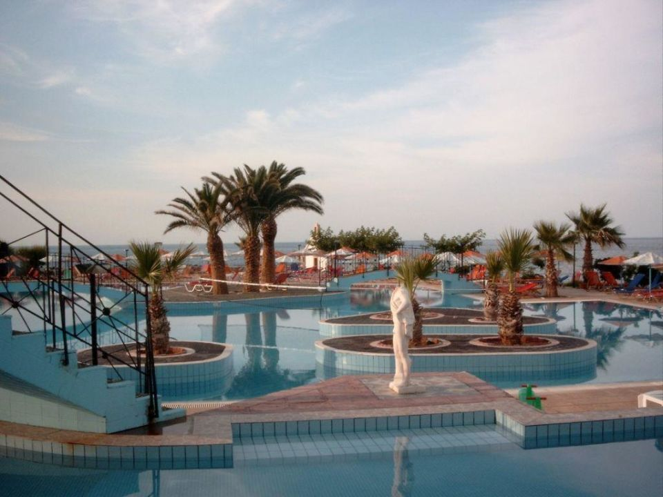 Poollandschaft Hotel Eri Beach & Village