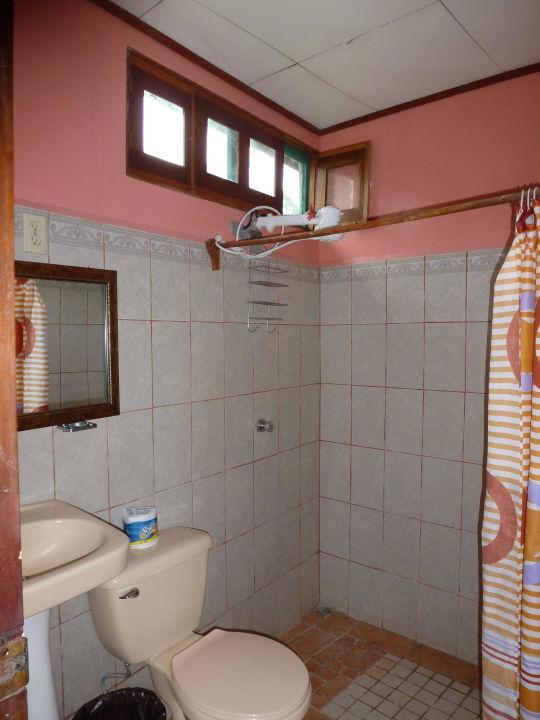 """bild """"badezimmer mit ameisen """" zu hotel cabinas leyko in boca de"""