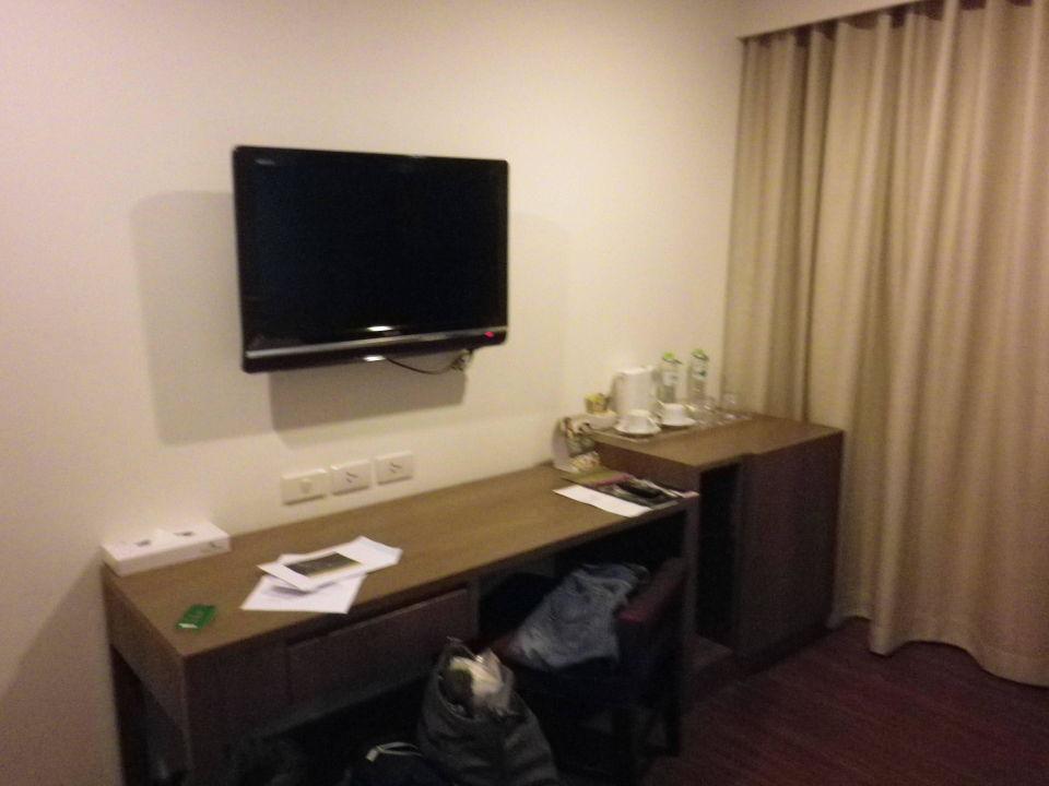 Bild das bett zu hotel narai in bangkok for Schreibtisch von oben