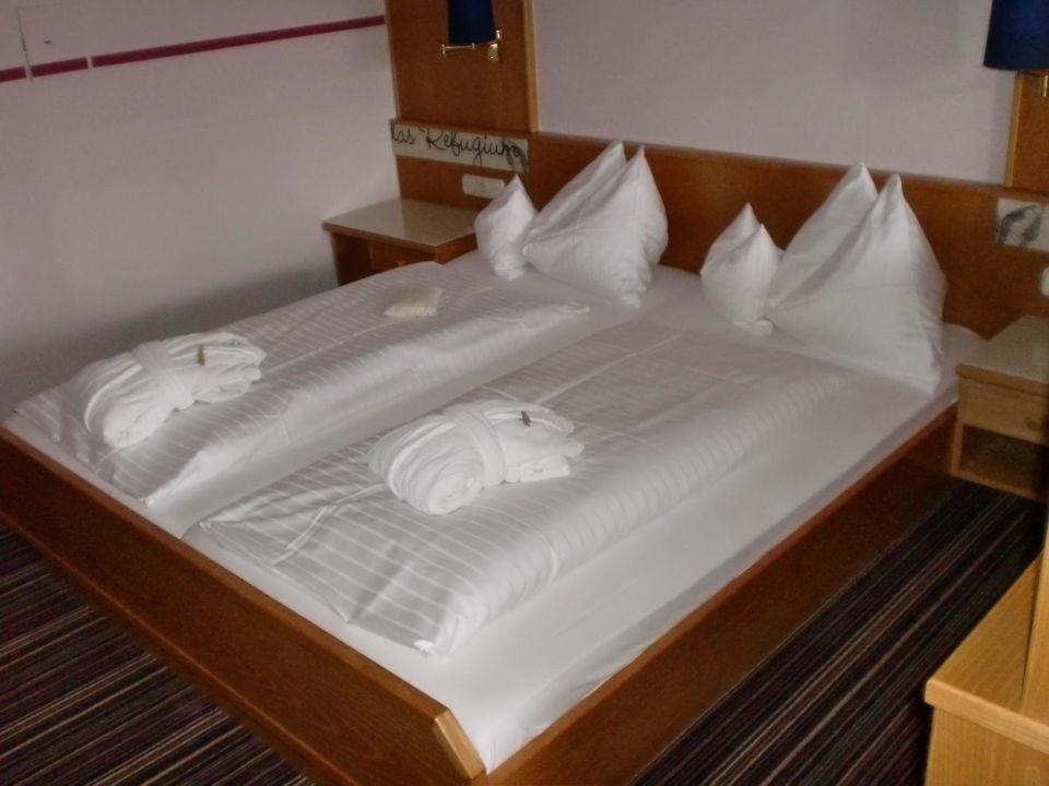 bild hotelanlage zu hotel lindenwirt in drachselsried. Black Bedroom Furniture Sets. Home Design Ideas