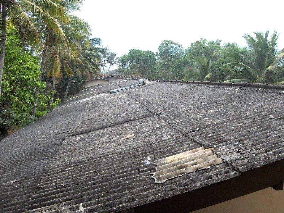 Asbestplatten Hotel Koggala Beach