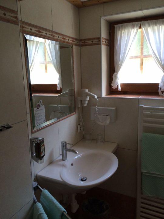 bild badezimmer zu hotel sperlhof in windischgarsten
