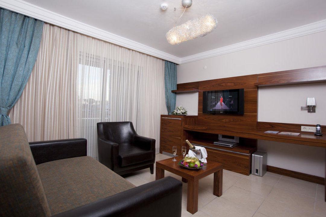 King Suite Xperia Grand Bali Hotel