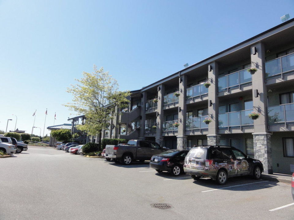 Holiday Inn Vancouver Airport Hotel