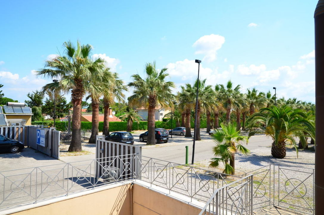 berwachter parkplatz hotel savoy beach capaccio. Black Bedroom Furniture Sets. Home Design Ideas
