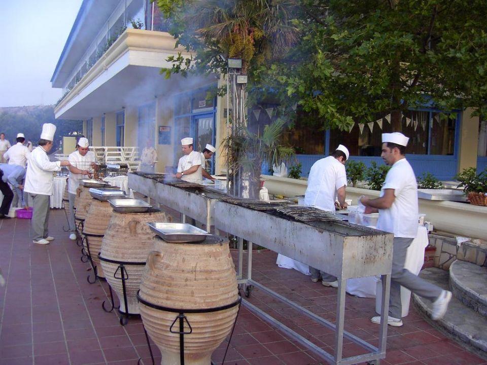 Grillpersonal beim Griechischen Abend Hotel Imperial Belvedere