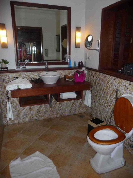 Badezimmer - echt schön ! Hotel Vivanta by Taj Kovalam