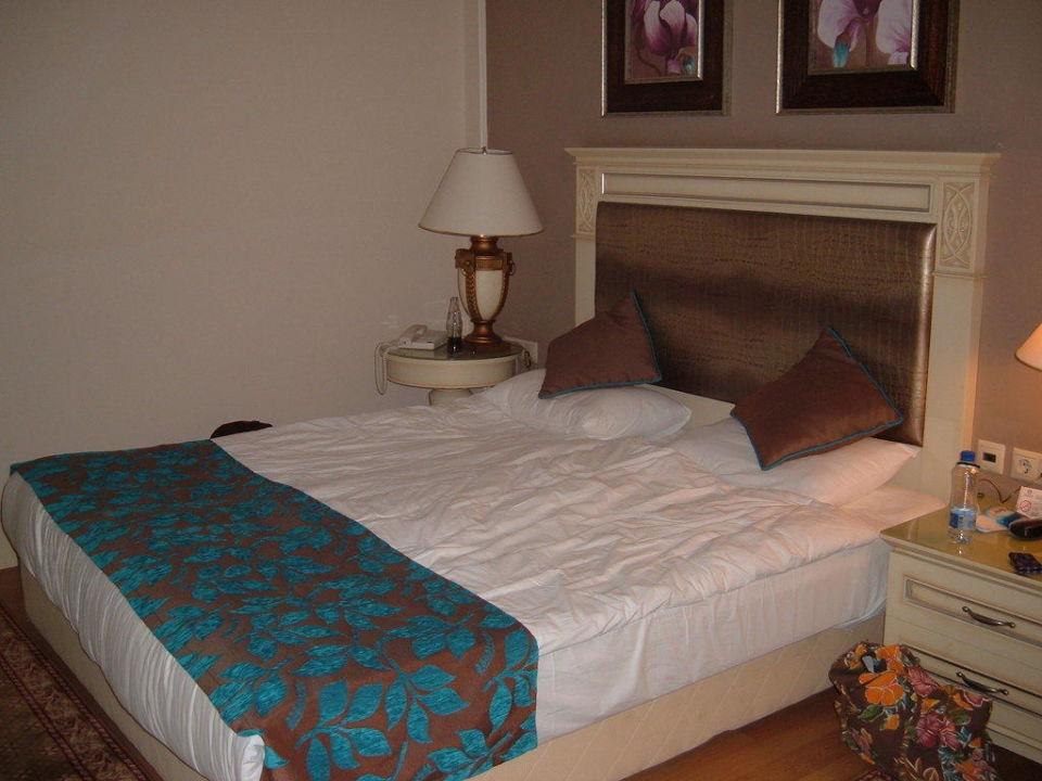 Ehebett im Familienzimmer Hotel Delphin Diva