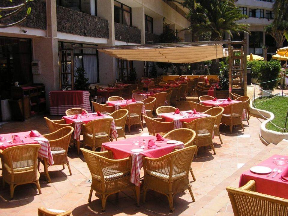 Terrasse beim Speisesaal Hotel H10 Conquistador