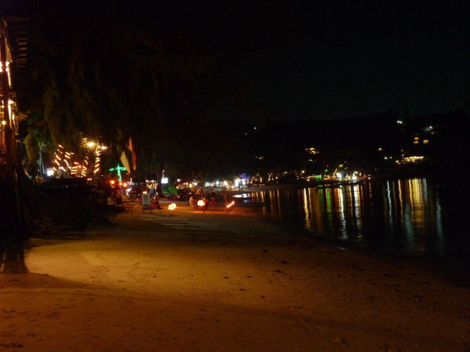 Salad Beach bei Nacht Villa cha cha