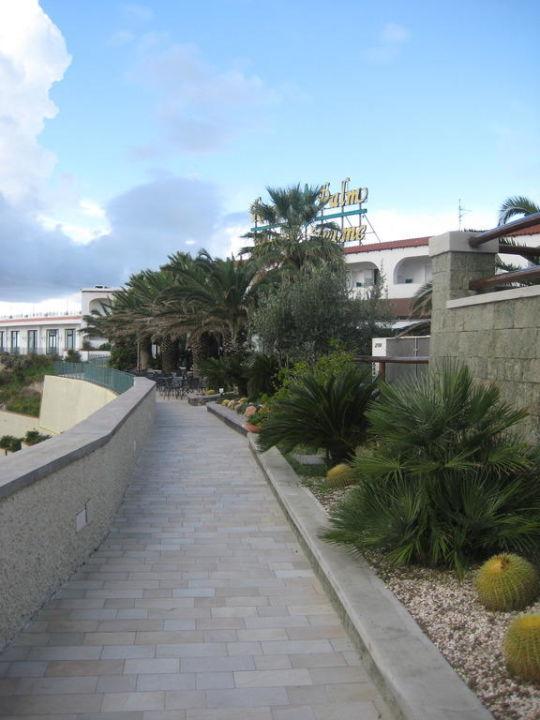 Weg zur Hotelterrasse Hotel Royal Palm Terme & Parco San Marco