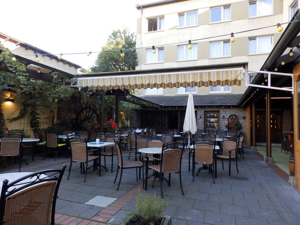 Terrasse Zur Strassenseite Hotel Pistono Dieblich Holidaycheck