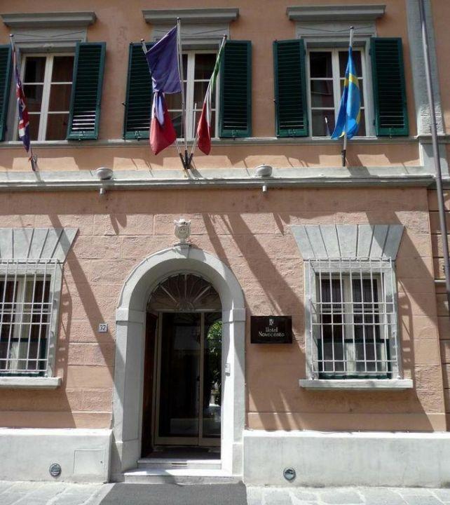 Entrance Hotel Novecento