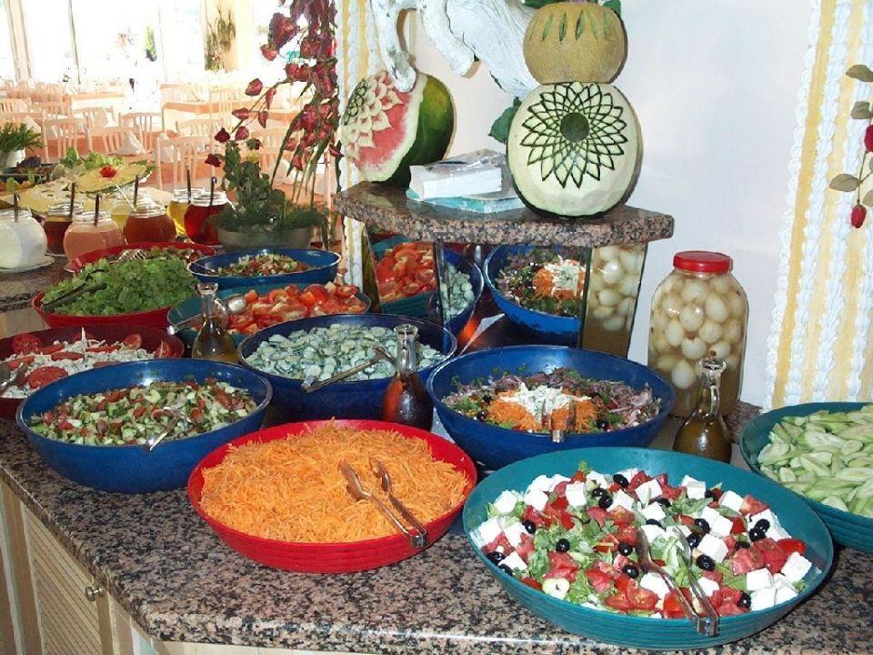 Ein Teil des Salatbuffets Beach Club Doganay