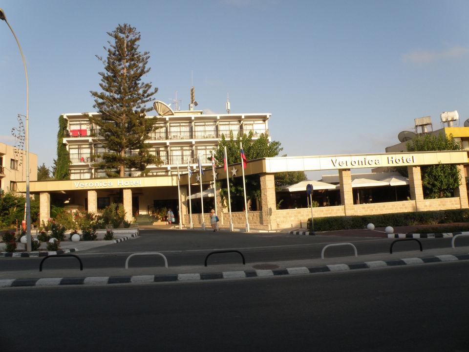 Pohled Na Hotel Z Protejsi Strany Hotel Veronica Paphos