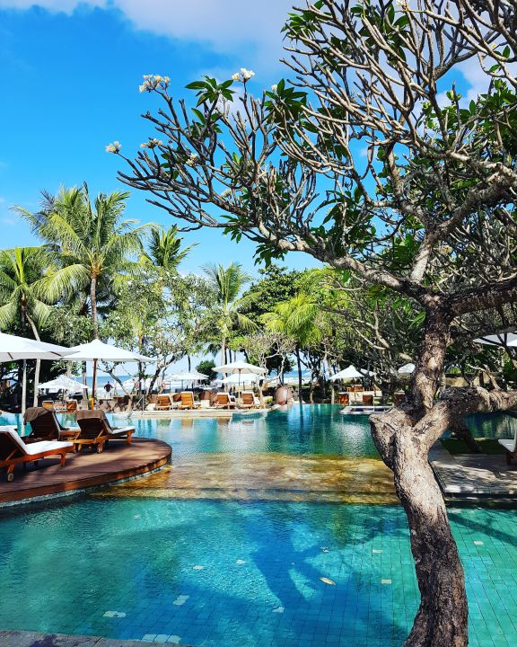 Pool The Royal Beach Seminyak Bali - MGallery Collection