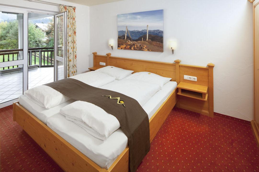 Schlafzimmer der Kat. C Oberstdorfer Ferienwelt