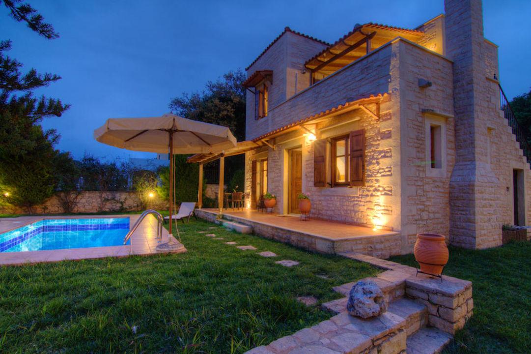 Villa Phaedra at night Villa Phaedra
