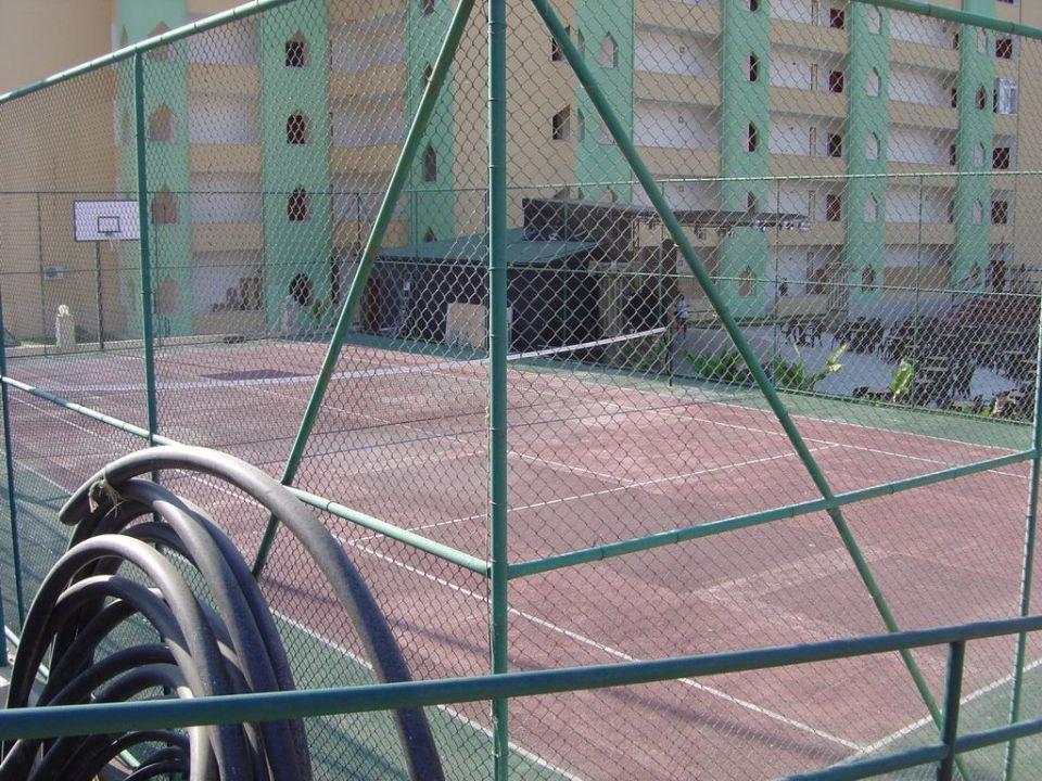 Der Tennisplatz Hotel Titan Garden