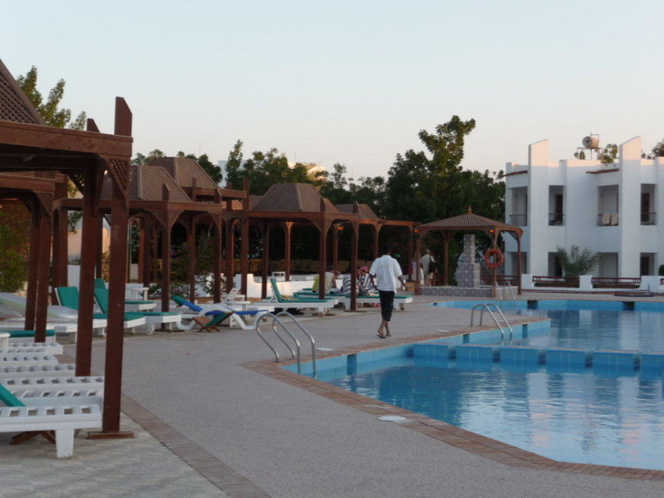 Pool Hotel Menaville Safaga